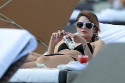 http://img256.imagevenue.com/loc398/th_312885115_Mischa_Barton_Bikini_Candids_on_the_Beach_in_Miami_December_27_2011_272_122_398lo.jpg