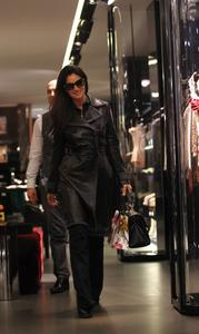 Моника Беллуччи, фото 1577. Monica Bellucci Shopping in Milan, Italy 01-03-2012, foto 1577