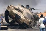 http://img256.imagevenue.com/loc422/th_97964_destroyed-tank-20_122_422lo.jpg