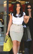 Kim Kardashian - Shopping for lingerie in Beverly Hills (arse shots) - June 20  x32 HQ