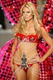 th_12776_Victoria_Secret_Celebrity_City_2008_FS_8198_123_467lo.jpg