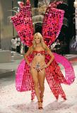 th_12992_Victoria_Secret_Celebrity_City_2008_FS_3325_123_544lo.jpg